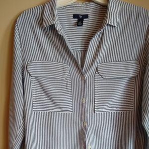 Women's Gap long sleeve gray & white stripe shirt